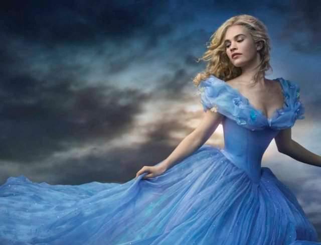 Cenerentola (Cinderella) 2015: le bambole del film al cinema